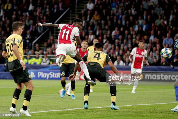 Quincy Promes of Ajax scores the first goal to make it 1-0 during the UEFA Champions League match between Ajax v Lille at the Johan Cruijff Arena on...