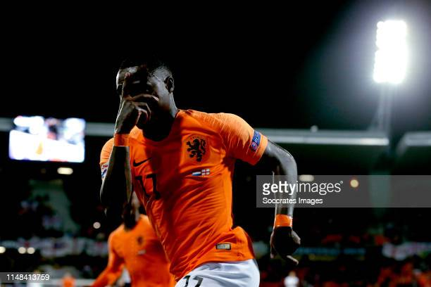 Quincy Promes of Holland celebrates 21 during the UEFA Nations league match between Holland v England at the Estádio D Afonso Henriques on June 6...