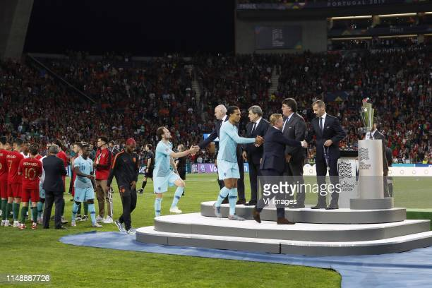 Quincy Promes of Holland, Ryan Babel of Holland, Daley Blind of Holland, KNVB chairman Michael van Praag, Virgil van Dijk of Holland, Holland coach...