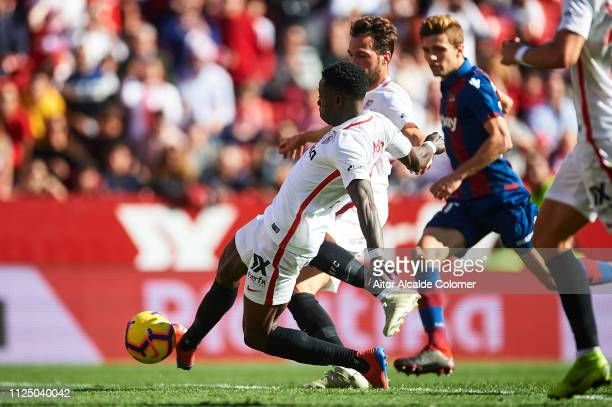 Quincy Promes of Sevilla FC scores the fifth goal during the La Liga match between Sevilla FC and Levante UD at Estadio Ramon Sanchez Pizjuan on...