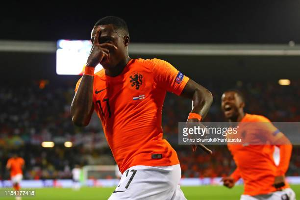 Quincy Promes of the Netherlands celebrates scoring his side's second goal during the UEFA Nations League SemiFinal match between the Netherlands and...