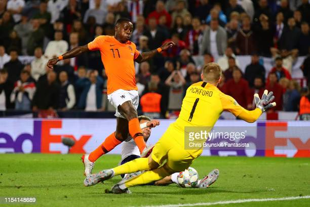 Quincy Promes of the Netherlands scores his side's second goal during the UEFA Nations League SemiFinal match between the Netherlands and England at...