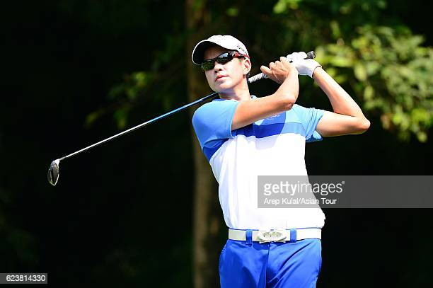 Quincy Quek of Singapore plays a shot during round one of the BANK BRIJCB Indonesia Open at Pondok Indah Golf Course on November 17 2016 in Jakarta...