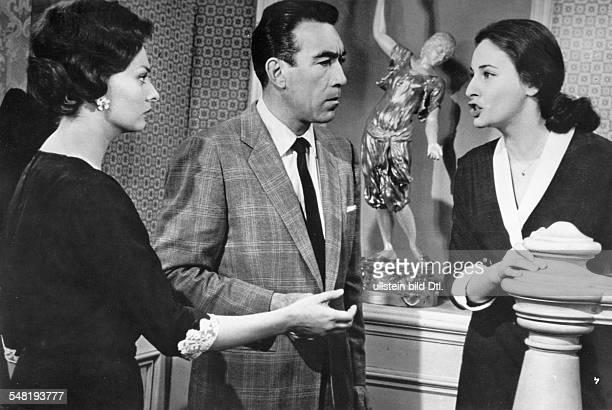 Quinn Anthony * Schauspieler Bildhauer USA mit Sophia Loren und Ina Balin in einer Szene des Films Die schwarze Orchidee Regie Martin Ritt USA 1959
