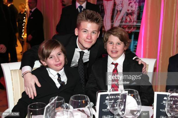 Quinn Kelly Stone Roan Joseph Bronstein and his brother Laird Vonne Stone sons of Sharon Stone during the charity gala benefiting 'Planet Hope'...