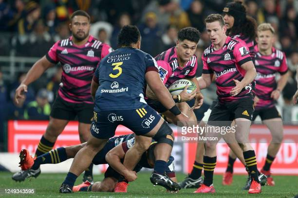 Quinn Tupaea of the Chiefs charges forward during the round 1 Super Rugby Aotearoa match between the Highlanders and Chiefs at Forsyth Barr Stadium...