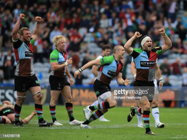Quins celebrates victory at the final whistle during the Aviva Premiership Semi Final match between Harlequins and Northampton Saints at the...