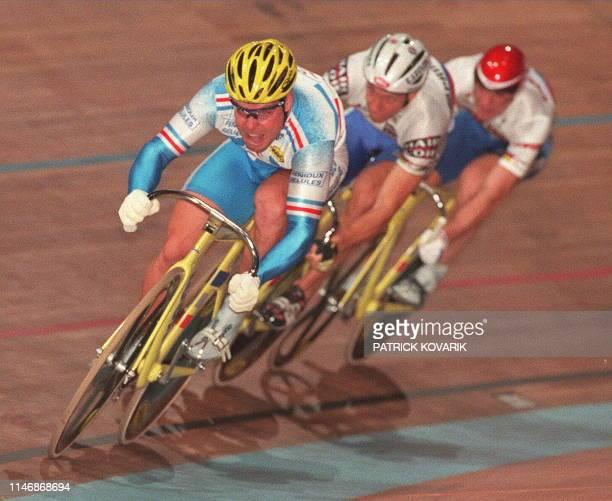 L'équipe de France cycliste menée par Frédéric Magné remporte la finale de vitesse olympique par équipe le 28 septembre à Paris au palais omnisports...