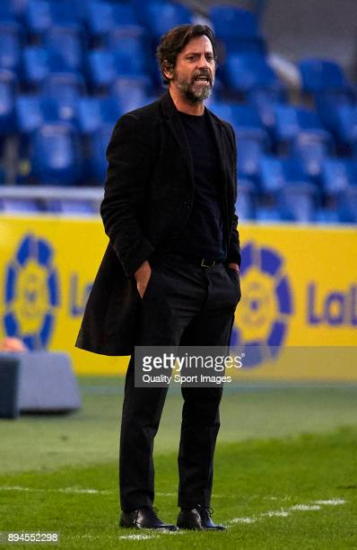 Quique Sanchez Flores Manager of Espanyol reacts during the La Liga match between Las Palmas and Espanyol at Estadio Gran Canaria on December 17 2017...