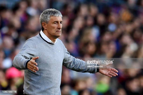 Quique Setien manager of Real Betis reacts during the La Liga match between FC Barcelona and Real Betis Balompie at Camp Nou on November 11 2018 in...