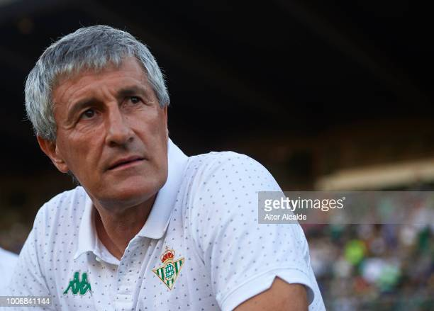 Quique Setien of Real Betis Balompie looks on during the Preseason match between Real Betis and Lille OSC at Estadio Chapin on July 28 2018 in Jerez...