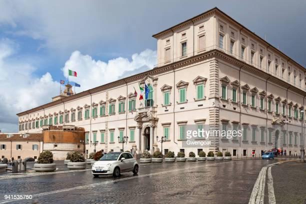 palazzo del quirinale in rome - quirinaalpaleis stockfoto's en -beelden