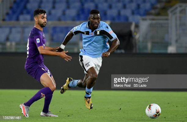 Quissanga Bastos of SS Lazio kicks the ball against Rachid Ghezzal of ACF Fiorentina during the Serie A match between SS Lazio and ACF Fiorentina at...