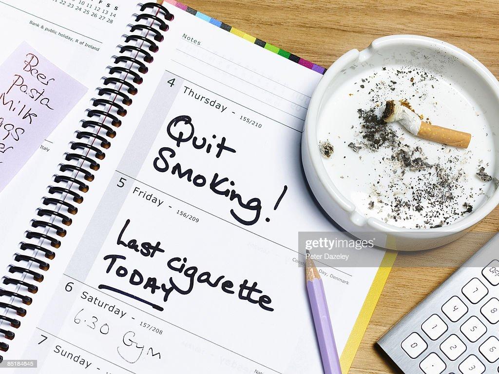 Quit smoking deadline diary : Stock Photo
