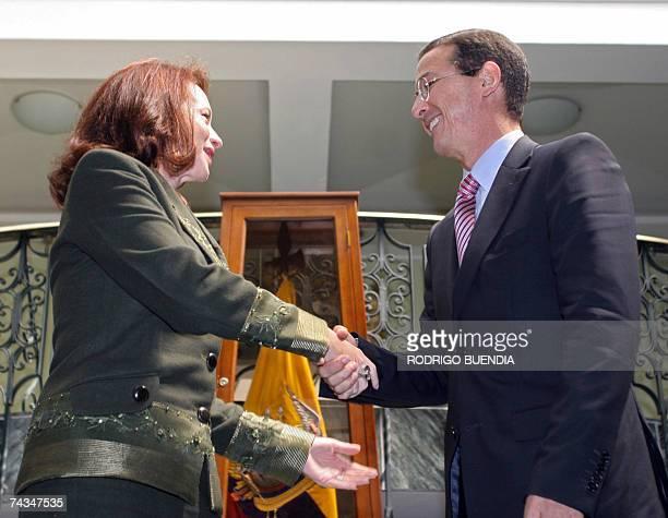 La canciller de Ecuador Maria Fernanda Espinosa recibe a su homologo colombiano Fernando Araujo en el ministerio de Relaciones Exteriores, en Quito...