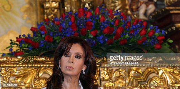 La senadora y primera dama de Argentina Cristina Fernandez de Kirchner escucha el discurso del alcalde de Quito Paco Moncayo, en la capilla del Museo...