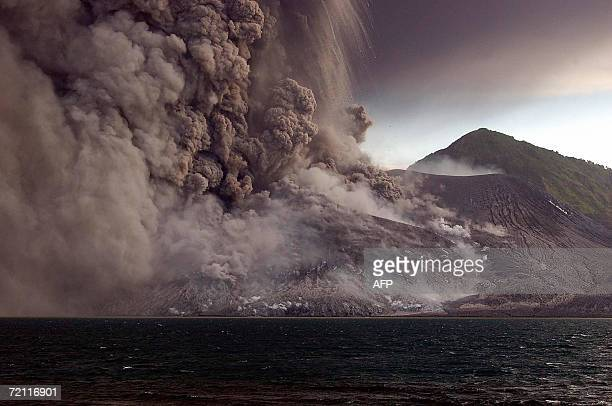 Tavurvur volcano erupts sending ash and rocks over the already devastated city of Rabaul on New Britain Island in Papua New Guinea 07 October 2006...