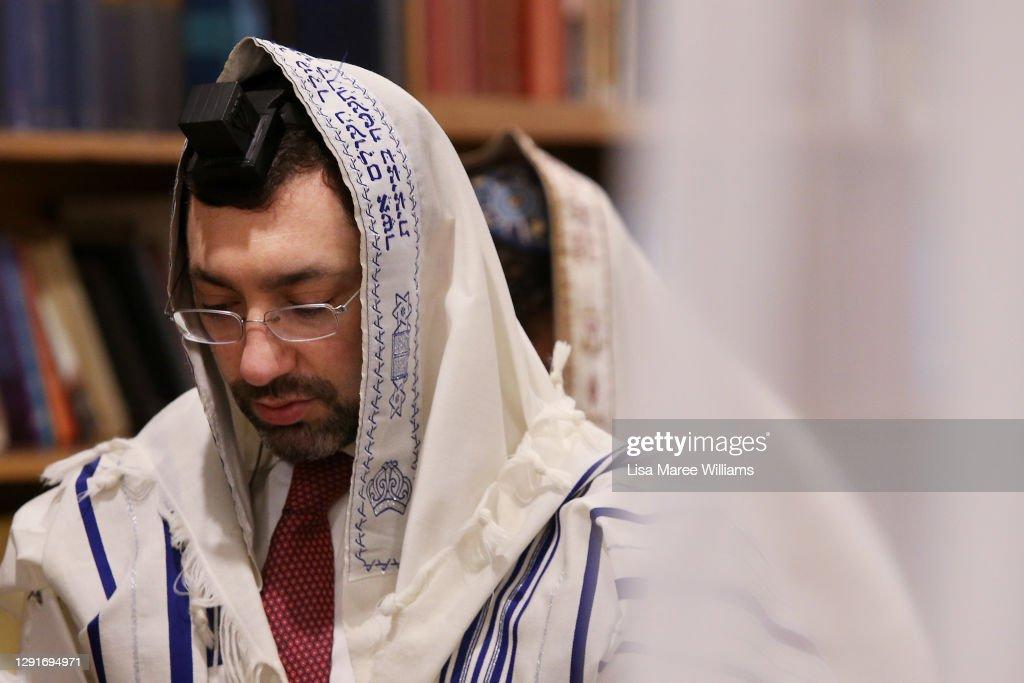 Sydney's Jewish Community Celebrate Hanukkah As COVID-19 Restrictions Ease in Australia : News Photo