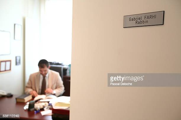 rabbi in office - nameplate stock pictures, royalty-free photos & images