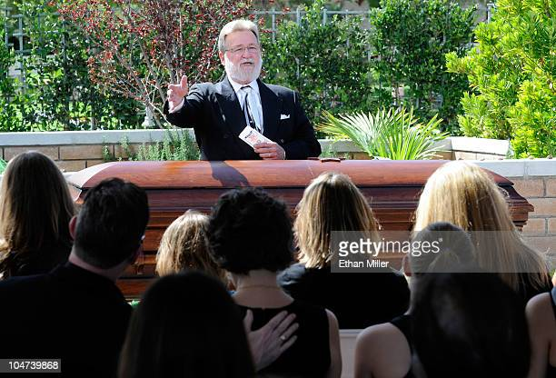 Rabbi Mel Hecht speaks at the funeral for actor Tony Curtis at Palm Mortuary Cemetary October 4 2010 in Henderson Nevada Curtis died on September 29...