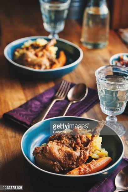 野菜とマッシュポテトのウサギシチュー - ウサギ肉 ストックフォトと画像