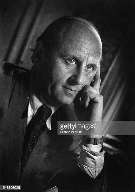 Rabenalt Arthur Maria * Director Germany portrait undated about 1953 photographer Charlotte Willott Vintage property of ullstein bild