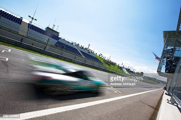 race car crossing the finish line - spielberg styria stock pictures, royalty-free photos & images