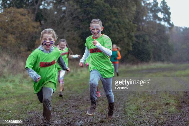 race to the finish - endurance race stock pictures, royalty-free photos & images