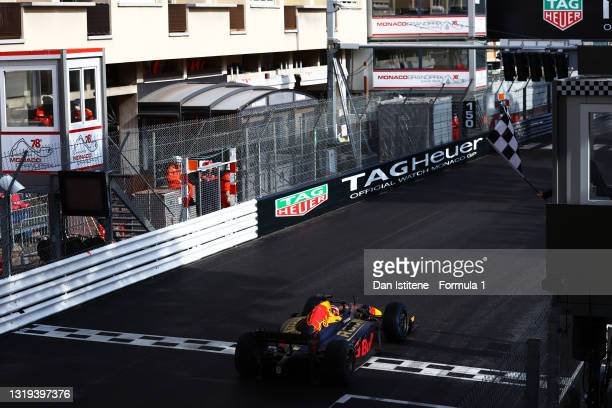 Race winner Liam Lawson of New Zealand and Hitech Grand Prix takes the chequered flag during Sprint Race 2 of Round 2:Monte Carlo of the Formula 2...