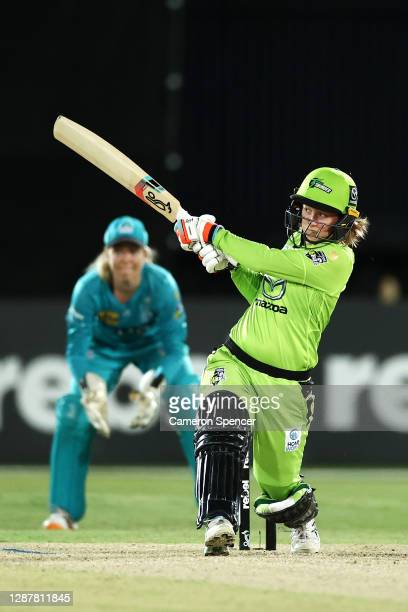 Rachael Haynes of the Thunder bats during the Women's Big Bash League WBBL Semi Final match between the Brisbane Heat and the Sydney Thunder at North...