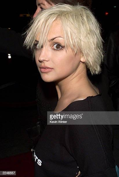 Rachael Leigh Cook at the premiere of 'Get Carter' at the Bruin Theater, Westwood, Ca. 10/4/00. Photo by Kevin Winter/ImageDirect.