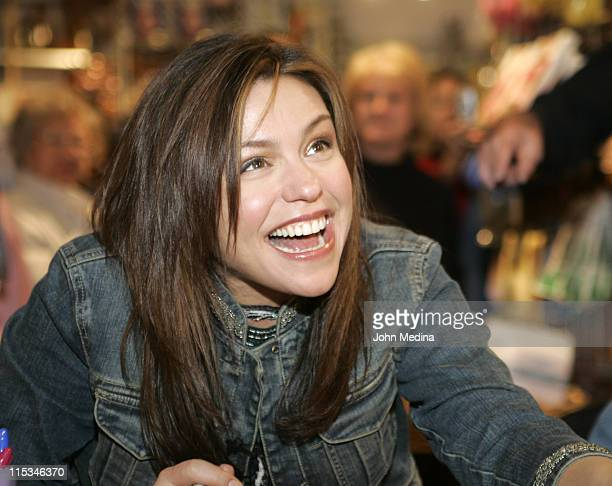 "Rachael Ray during Rachael Ray Signs Her Book ""Rachael Ray 365: No Repeats"" at Sur La Table in San Jose - December 5, 2005 at Sur La Table in San..."