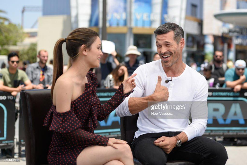 Eddie Cibrian And Rachel Bilson Visit 'Extra' : Nachrichtenfoto