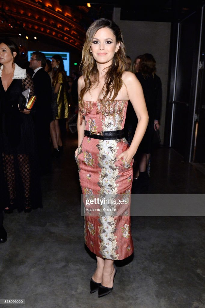 Rachel Bilson attends The 2017 Baby2Baby Gala presented by Paul Mitchell on November 11, 2017 in Los Angeles, California.