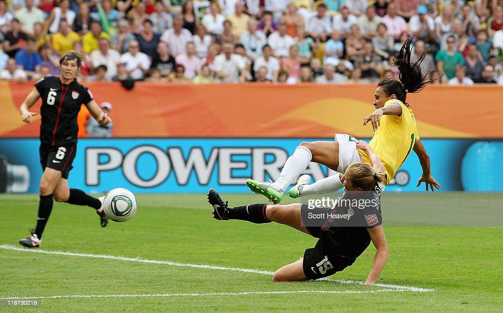 Brazil v USA: FIFA Women's World Cup 2011 - Quarter Finals : News Photo