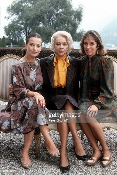 "Rachel Cathoud, Giselle Pascal, Josephine Chaplin in 20-teiliger ARD/ORF-Serie ""In bester Gesellschaft"" am in Como am Comer See, Italien."