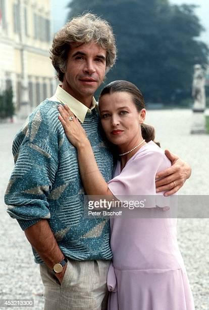 Rachel Cathoud Wolf Roth in 20teiliger ARD/ORFSerie In bester Gesellschaft am in Como am Comer See Italien