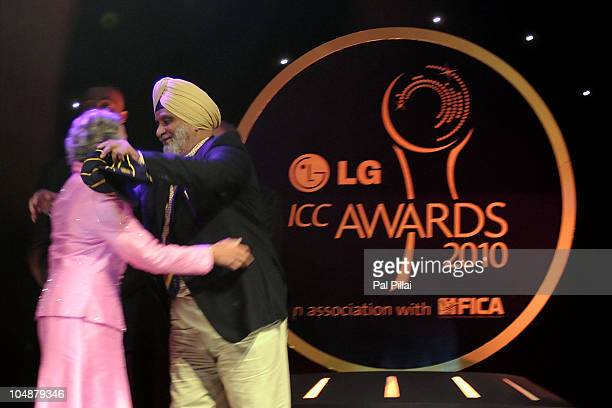 Rachel Heyhoe Flint receives the hall of fame award by Bishan singh Bedi during the ICC Annual Awards at the Grand Castle on October 6 2010 in...