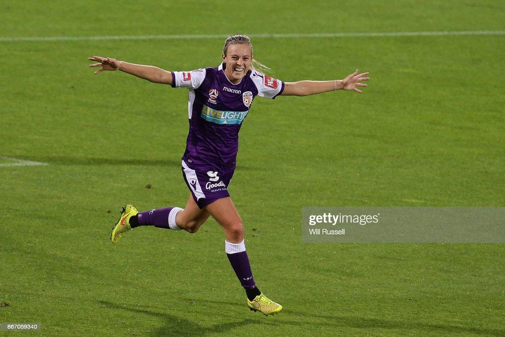 W-League Rd 1 - Perth v Melbourne : News Photo