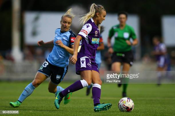 Rachel Hill of the Perth Glory controls the ball during the round 11 WLeague match between the Perth Glory and Sydney FC at Dorrien Gardens on...