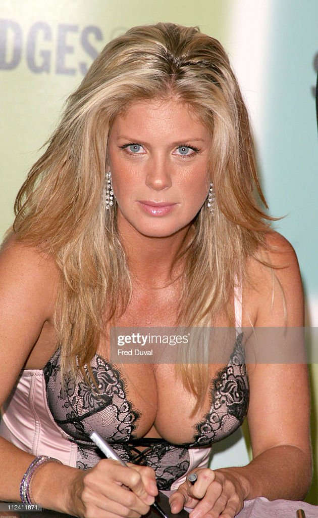 Rachel Hunter Launches Ultimo's New Fall/ Winter 2004 Collection - Photocall