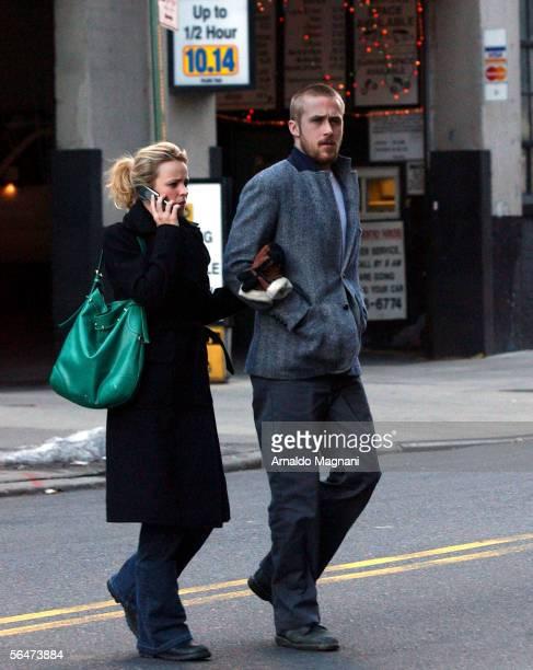 Rachel McAdams and her boyfriend Ryan Gosling walk in Soho after eating at Cafe Noir on December 20 2005 in New York City
