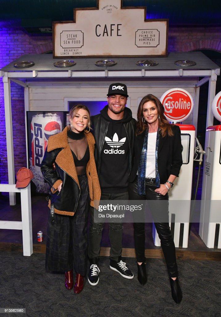 Rachel Platten, Dak Prescott and Cindy Crawford at Pepsi Generations Live Pop-Up on February 2, 2018 in Minneapolis, Minnesota.