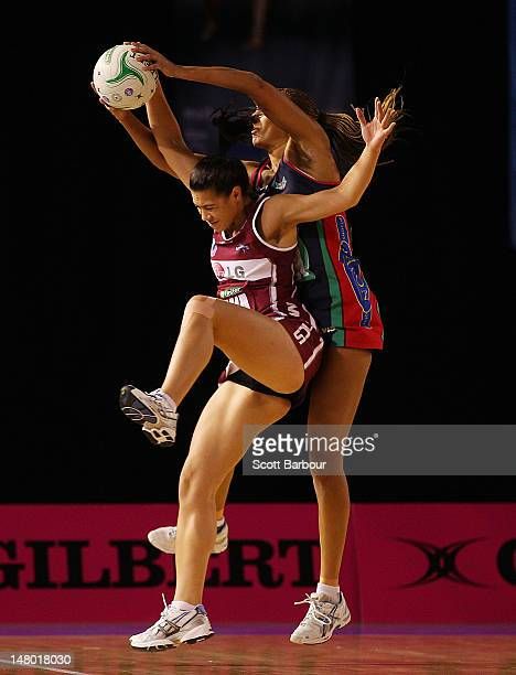 Rachel Rasmussen of the Mystics and Geva Mentor of the Vixens compete for the ball during the Major Semi Final ANZ Championship match between the...
