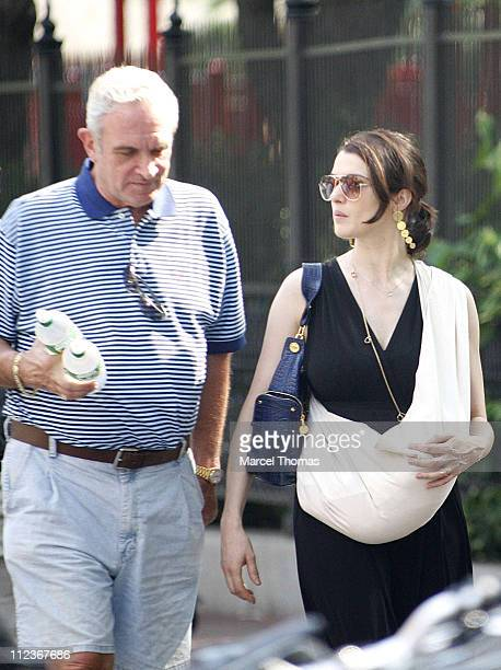 Rachel Weisz Sighting In New York City July 9 2006 Stock Fotos Und