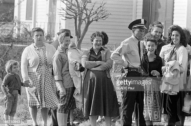 A Family Of White Race For The Integration Of An AfroAmerican In The Public High School 'William Frantz' In New Orleans Aux EtatsUnis en Louisiane...