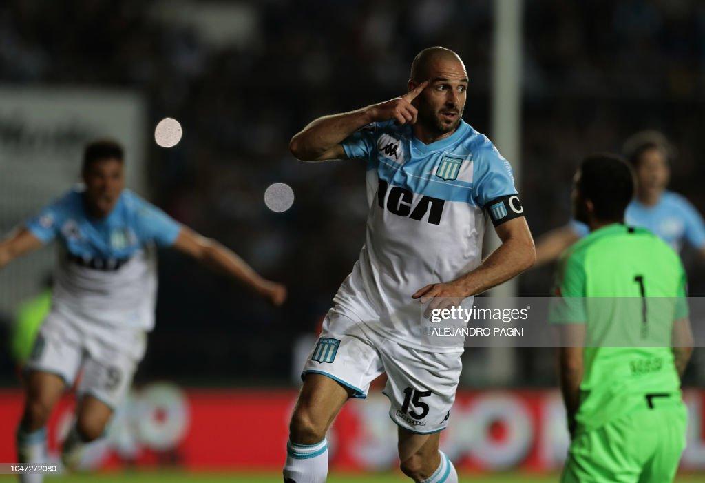 FBL-ARGENTINA-SUPERLIGA-RACING-BOCA : News Photo