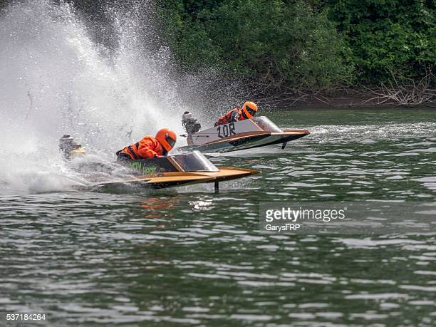 racing hydroplanes memorial weekend boat races willamette river newberg oregon - hydroplane racing stock pictures, royalty-free photos & images