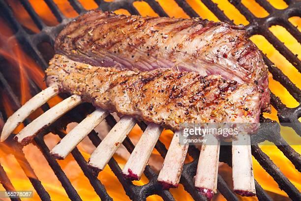 子羊のあばら肉、ニンジン、サヤマメ
