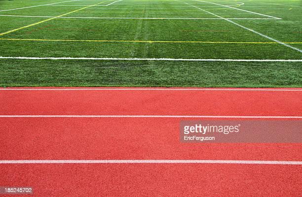 Ractrack und Gras Feld im Sportstätte